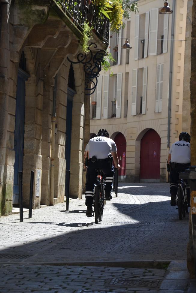 Bordeauxpoliceàvélo.JPG