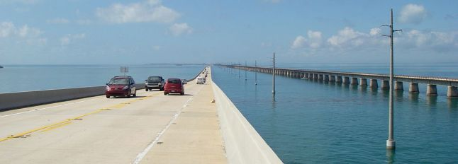 1024px-Seven_mile_bridge