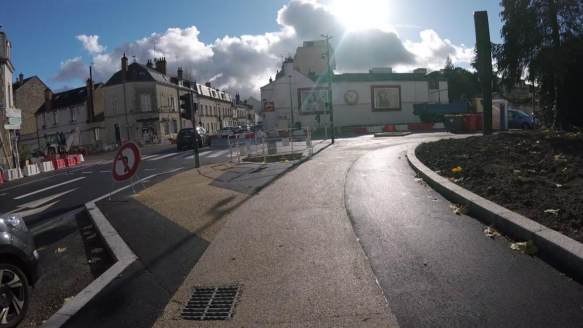 Pré-inauguration du carrefour Châteaudun / Coligny